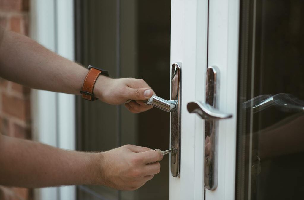 8 Things to Do to Secure Your Home Without an Alarm