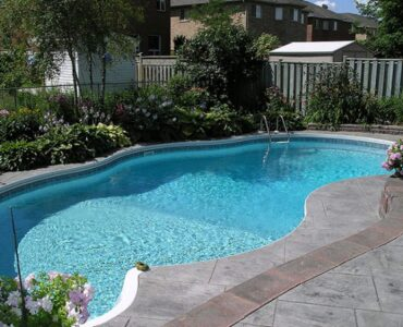 Featured image - Which Types of Pool Paint Should You Use