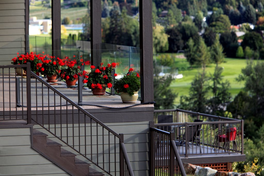 image - Is Aluminum Deck Railing Better Than Glass?
