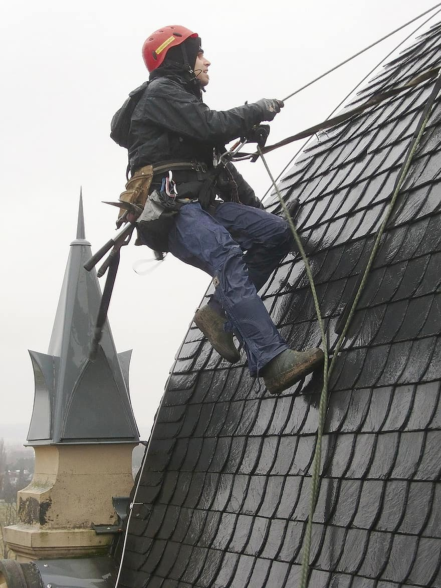 image - Top 5 Factors That Decide the Expenses of Roof Repair in Toronto
