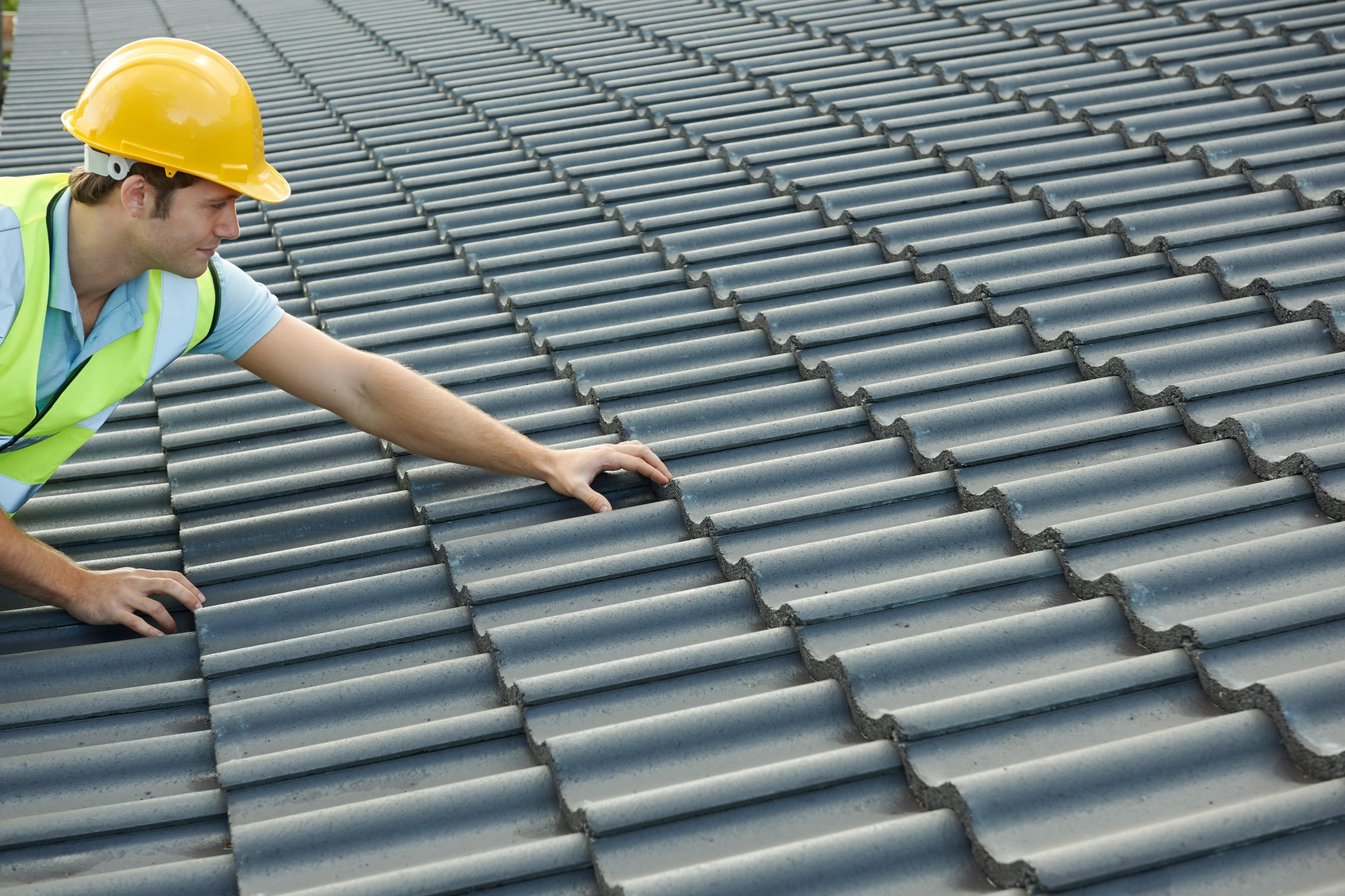 image - 3 Reasons Why You Should Consider a Tile Roof for a Home