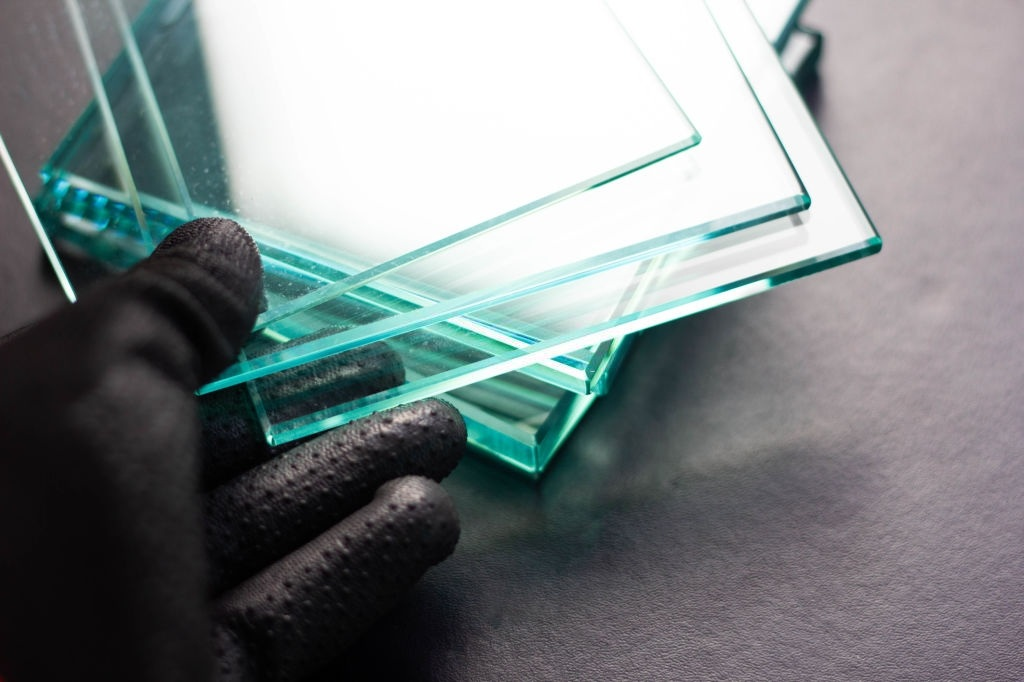 image - A Safe Way to Cut Tempered Glass without Shattering