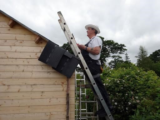 image - Contact Experienced Professionals for Help in Roof Cleaning