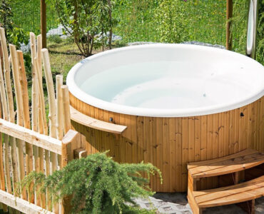 Featured image - How to Maintain a Hot Tub
