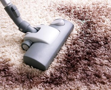 Featured image - How to Clean an Area Rug Inside