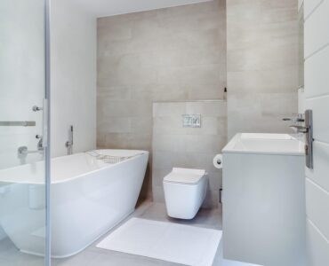 Featured image - 5 Advantages of Hiring a Professional for Bathroom Renovations and Waterproofing