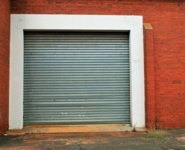 Featured image - 6 Questions to Ask Your Garage Door Repair Company