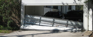Featured image - 7 Emergency Garage Door Issues You May Encounter