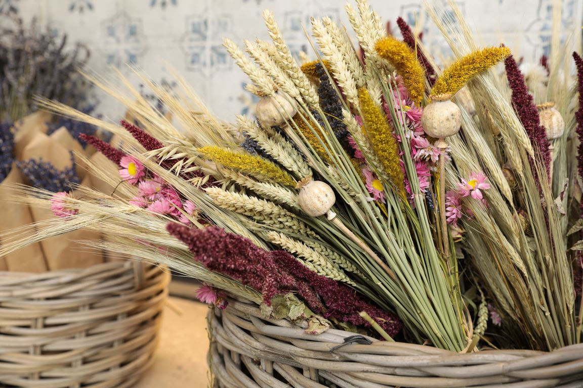 image - How to Incorporate Dried Flowers to Your Home Design