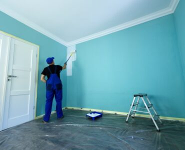 Featured image - How to Maintain the Crisp Paint Color of Your Interiors