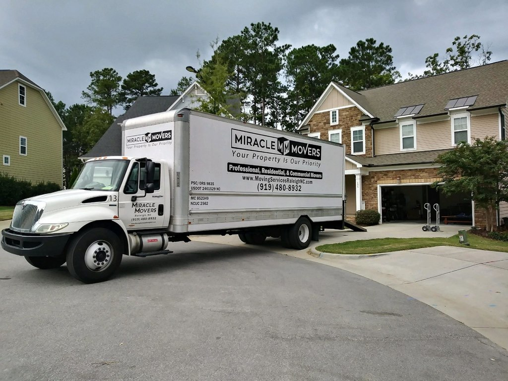 image - Reasons to Hire a Moving Company