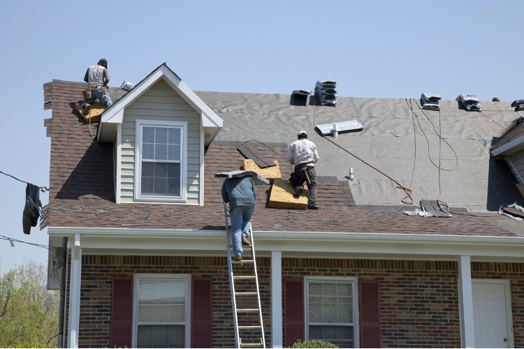 image - 7 Reasons to Hire a Roofing Contractor for Your Home