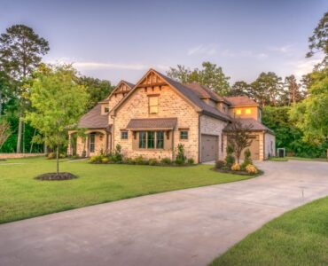 Featured image - 7 Easy Ways to Boost the Curb Appeal of Your Home in 2020