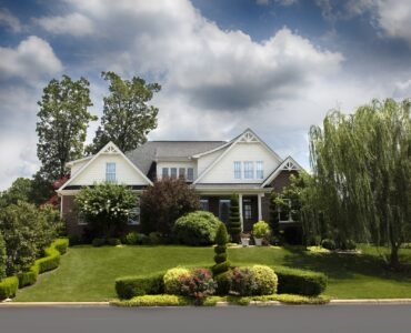 Featured image - Top 5 Tips for Renovating Your Front Yard
