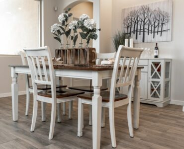 Featured image - How to Enhance Your Dining Area with Centerpieces