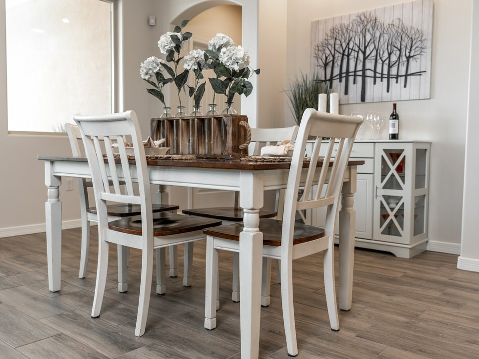 image - How to Enhance Your Dining Area with Centerpieces