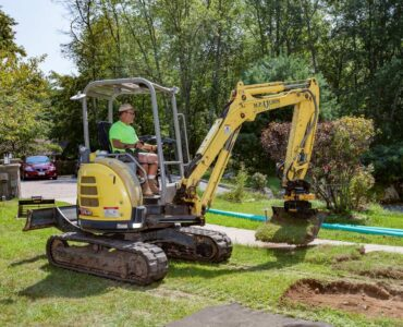 Featured image - 6 Tips on Hiring Landscaping Contractors for New Homeowners