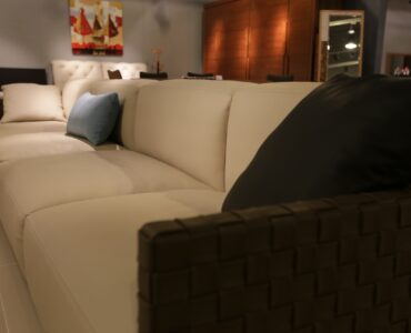 featured image - Tips on Choosing a Luxurious Sofa for Your Living Room