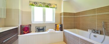 Featured image - 6 Beautiful Colors to Choose for Small Bathrooms