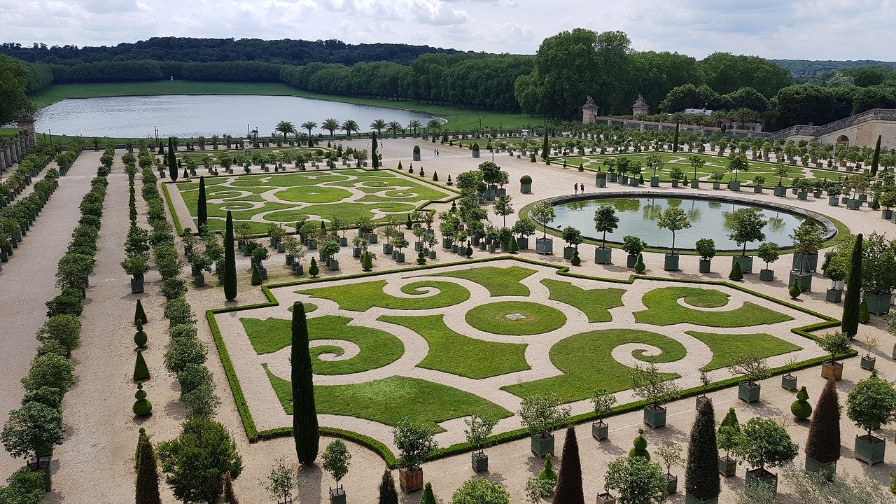 image - Gardens of Versailles, France