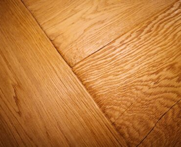 Featung image - The Differences Between Wood and Laminate Flooring