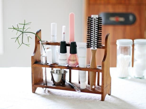 image - Simple Suspending Shelf to Store Your Makeup Accessories