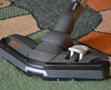 featured image - How to Clean the Carpets in Your New Home?