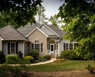 featured image - How to Sell Your House Without the Help of a Realtor