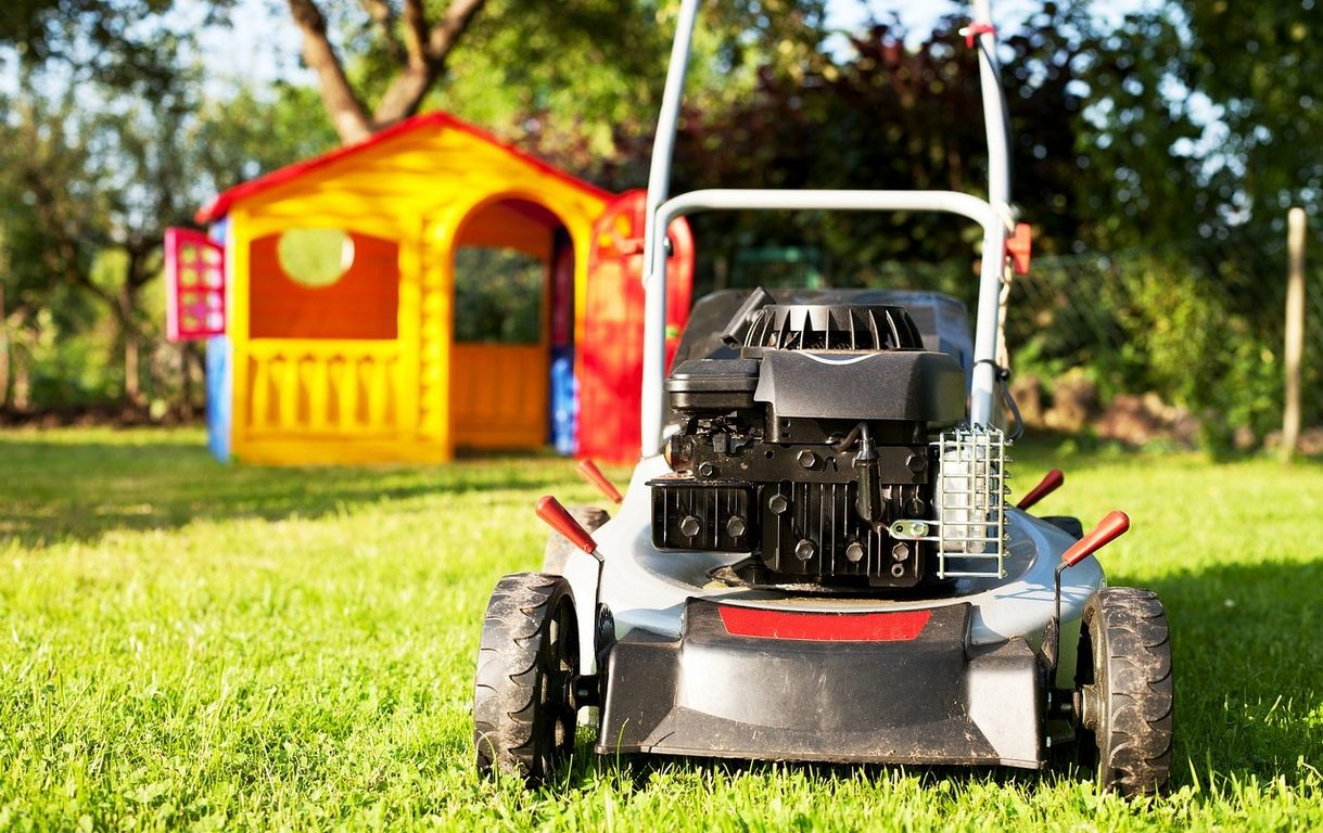 image - How to Drain Gas from Lawn Mower In 5 Simple Steps