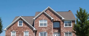 featured image - 3 Warning Signs Your Home Needs a New Roof