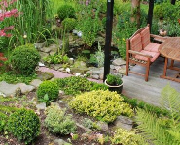 featured image - 4 Unique Garden Decor Styles for Your Backyard Renovation