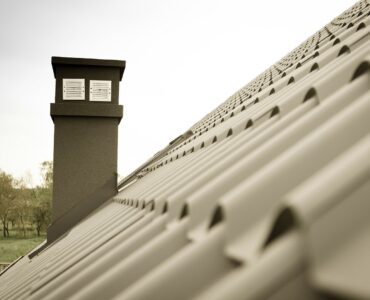 featured image - 6 Factors to Consider When Choosing Roofing Companies