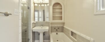 featured image - 9 Tips to Turn Your Bathroom into a Place of Luxury
