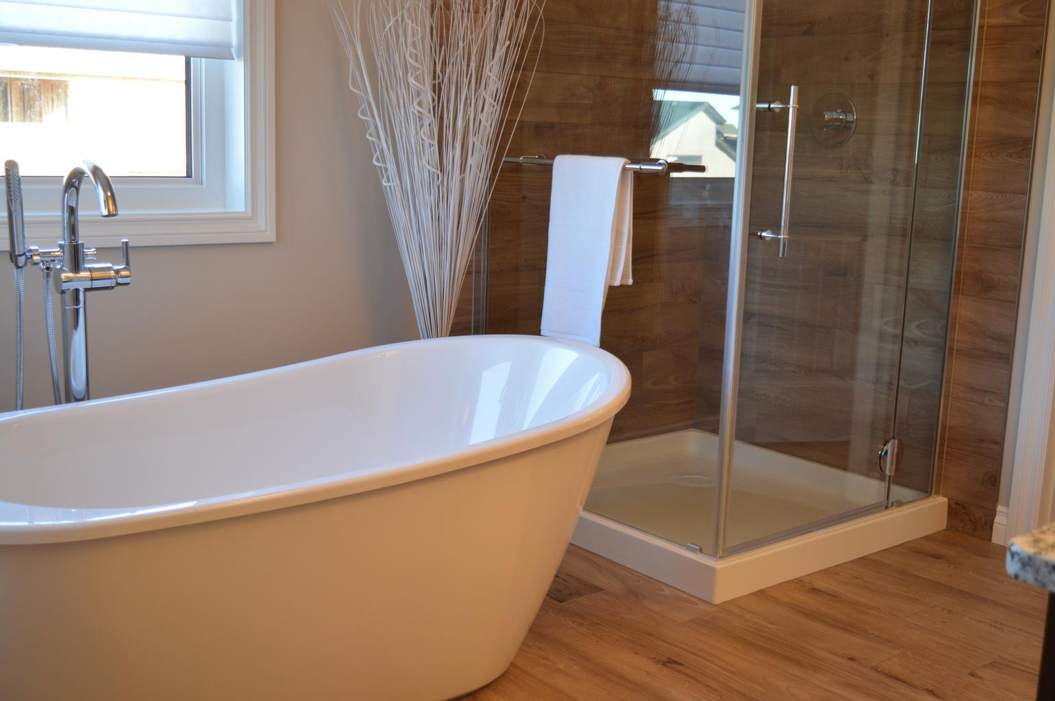 image - From Selection to Installation Your Guide to Bathtub Replacement