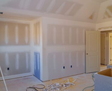 Featured image - How to Reduce Dust When Sanding Drywall