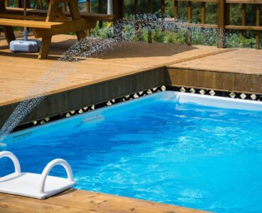 featured image - Tips for Maintaining a Pool