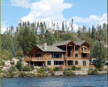 featured image - Top Reasons Why LakeFront Property Investment Is Great