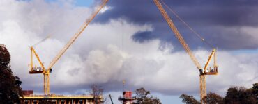 featured image - What are the Different Types of Construction Cranes