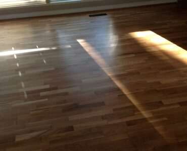 featured image - 5 Factors to Consider When Choosing a Flooring Contractor