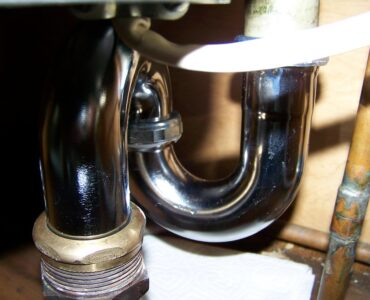 featured image - 5 Plumbing Issues You Can Fix Yourself