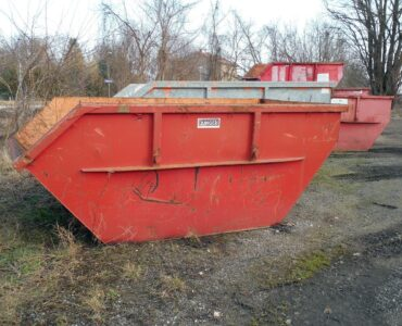 featured image - 7 Advantages of Hiring A Skip Bin