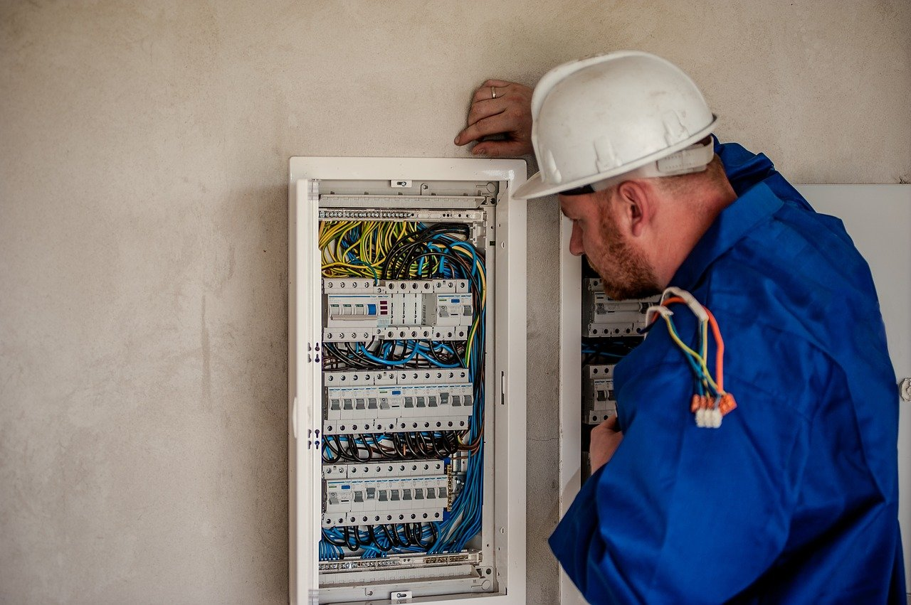 image - A Quick Guide to Book a Professional Electrician