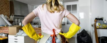 featured image - How to Get Your Chores Done and Still Have a Fun Weekend