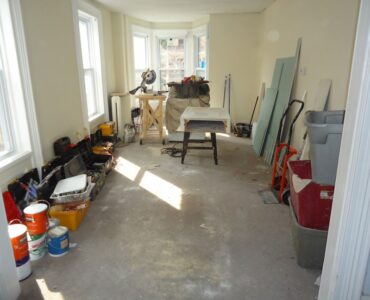 featured image - Important Elements to Scutrinze For Full Home Renovation
