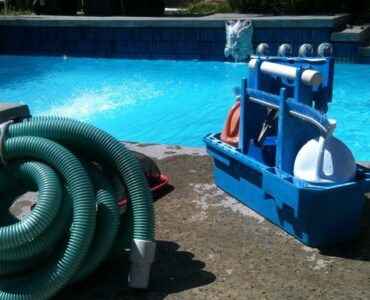 featured image - Robotic vs Suction vs Pressure Pool Cleaners Differences and Buyer's Guide