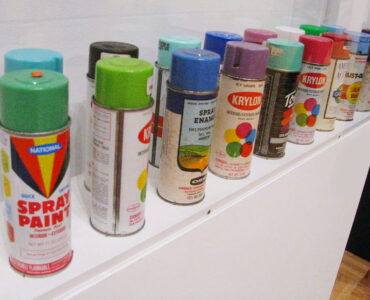 featured image - Should You Use Exterior Spray Paint or Regular Paint to Paint Your Home