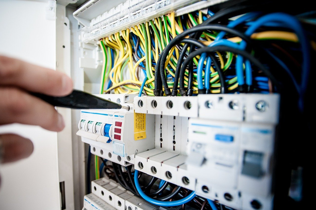 image - These Are the 7 Most Important Questions to Ask Before Hiring Electrician Services
