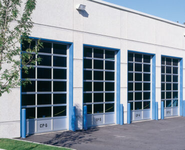featured image - What to Consider When Choosing a Garage Door Installation Company
