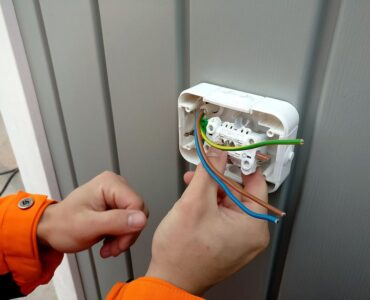 Featured image - When to DIY & When to Call an Electrician