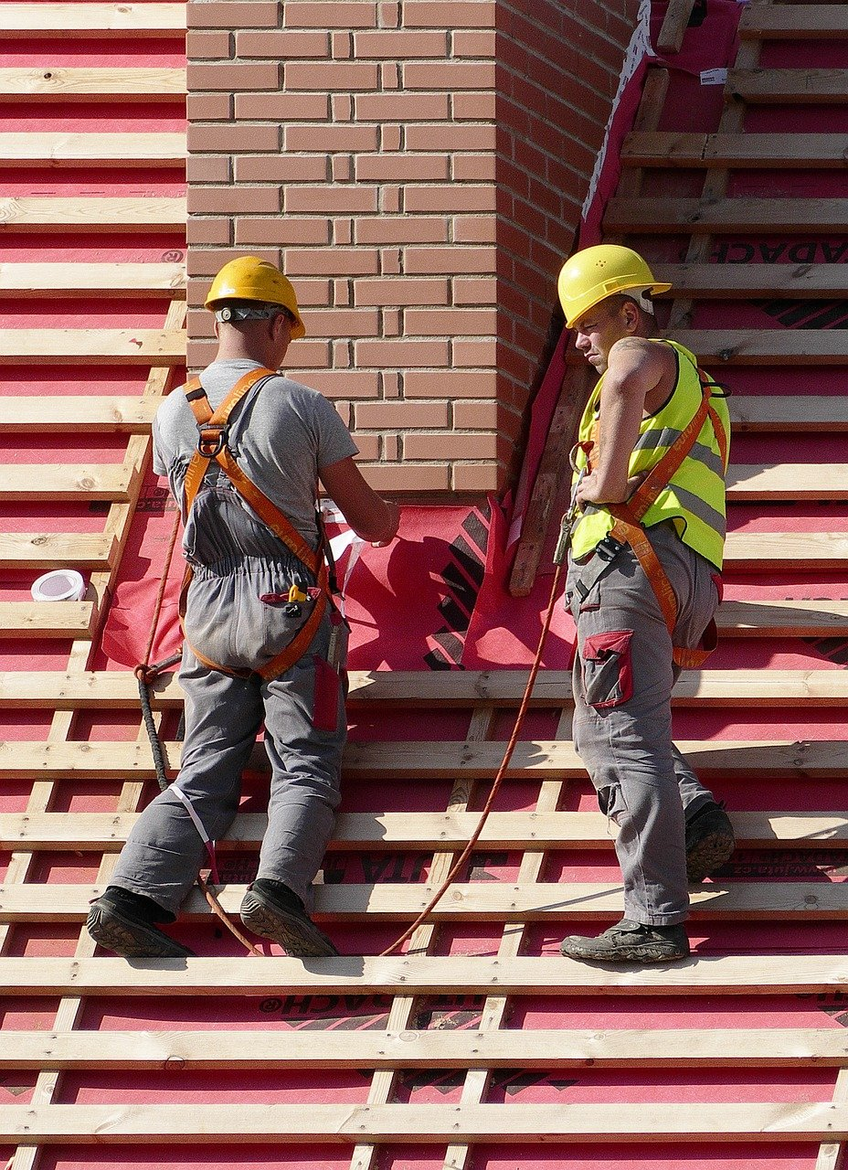 image - Why Hiring Roofers Through Online Is Best